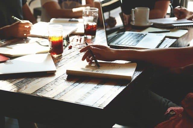Élaborer et rédiger le PCSES de la médiathèque (projet culturel, scientifique, éducatif et social) |